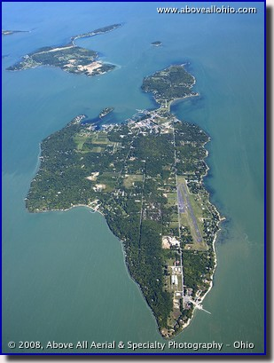 Aerial photo of South Bass Island in Lake Erie